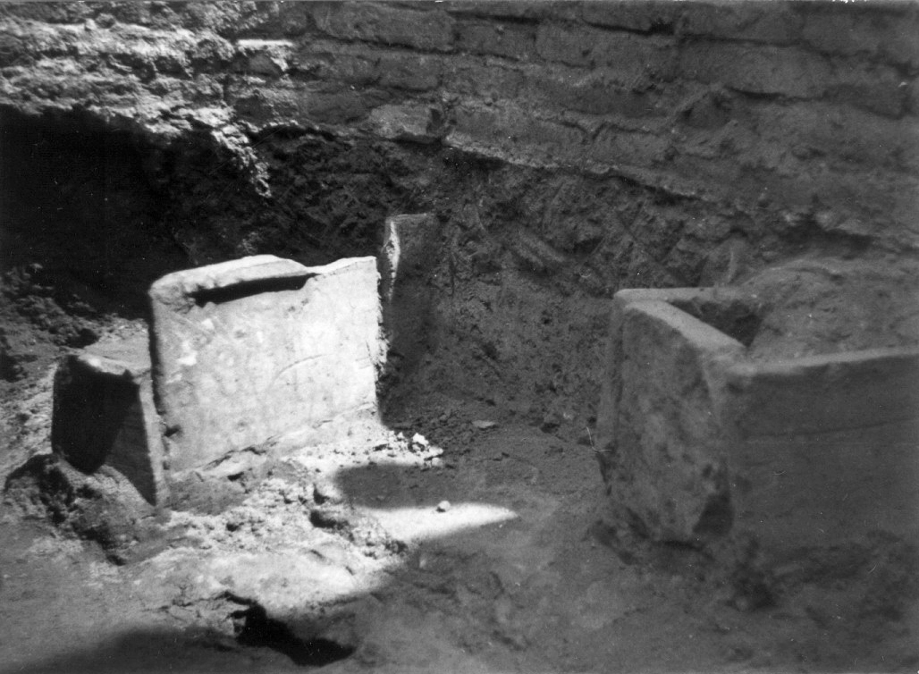 Interior of S-I tower of the Zеmun Fortress. Two tombs made of large dimension Roman bricks were discovered at a depth of 4.95 metre in S-I tower.