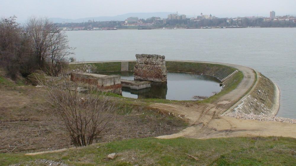 Prve poznate arhitekte iz davnina Trajanov%20most-Pontes,%20103-105%20AD.DSC00225